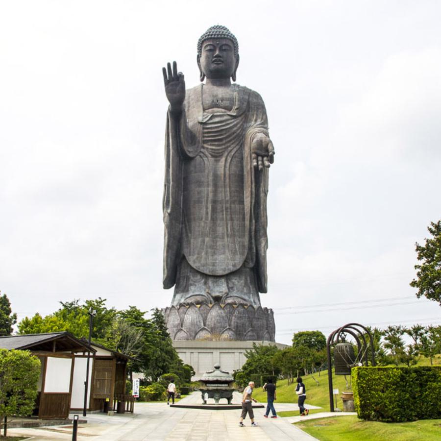 1 Ushiku Daibutsu