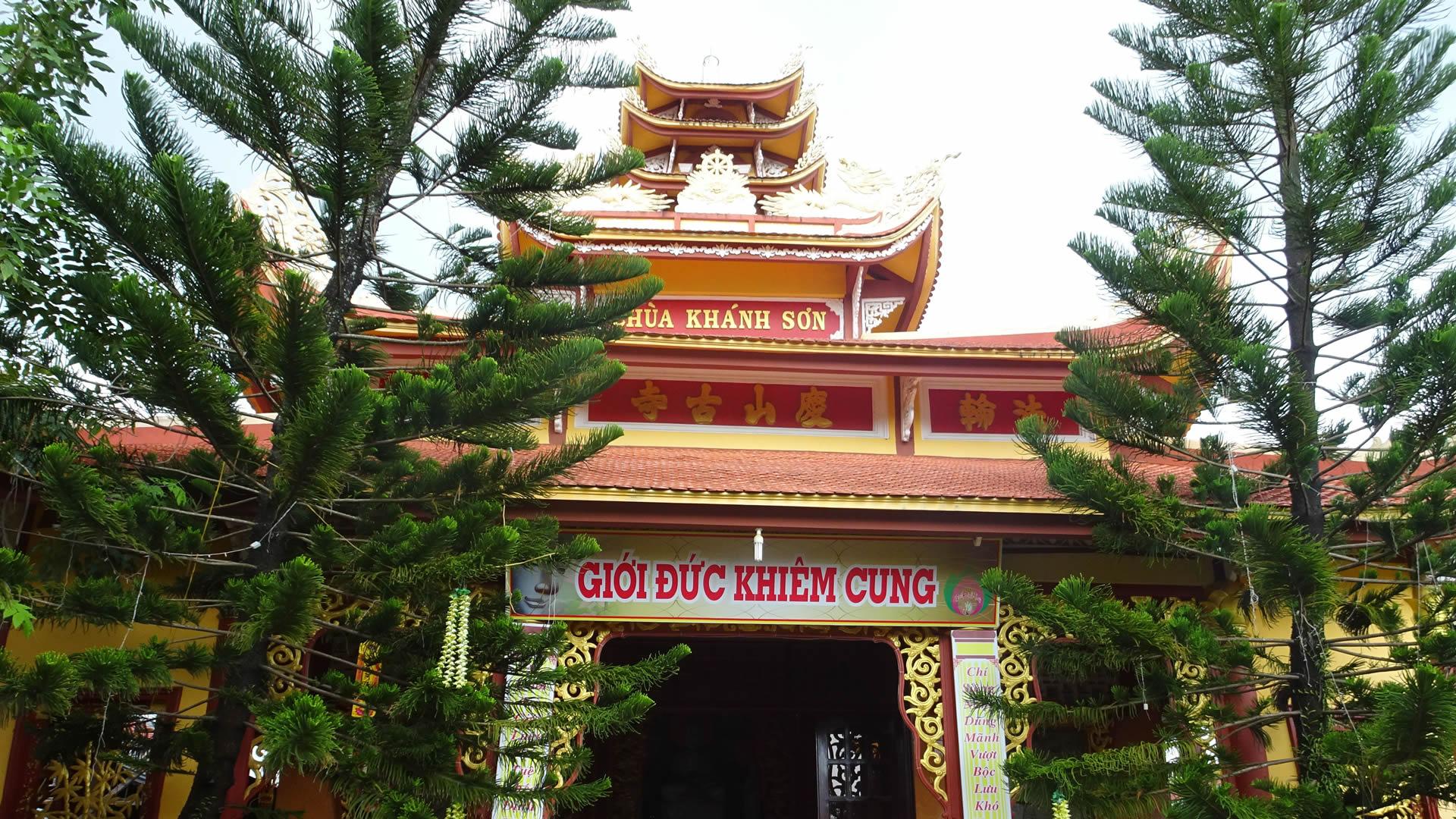 Chua Khanh Son 1