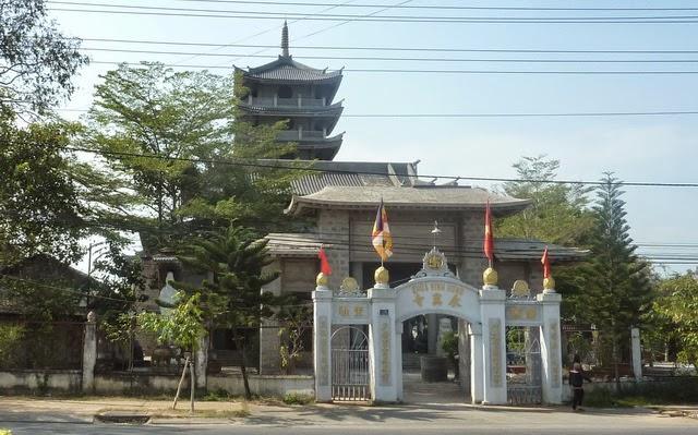 Chua Vinh Hung 1